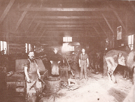Les Thomspons Blacksmith
